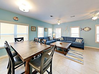 Tranquil 3BR w/ 2 Pools & 2 Porches - Near Beach & Dining