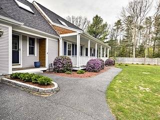 Spacious Falmouth Family Home, Mins to Waquoit Bay