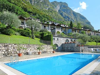 2 bedroom Apartment in Cressogno, Lombardy, Italy : ref 5441093