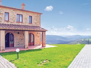 2 bedroom Apartment in Fatagliano, Tuscany, Italy : ref 5540356
