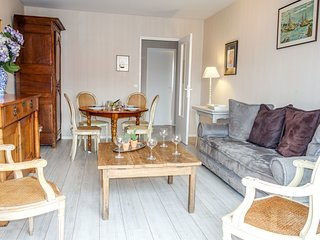 3 bedroom Apartment in Deauville, Normandy, France : ref 5568292