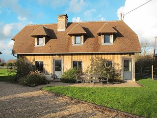3 bedroom Apartment in Méry-Corbon, Normandy, France : ref 5502856