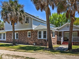 NEW-Charleston Home Close to Beach & Boat Landing!