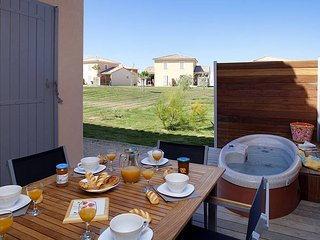 2 bedroom Apartment in Fabrègues, Occitania, France : ref 5440621