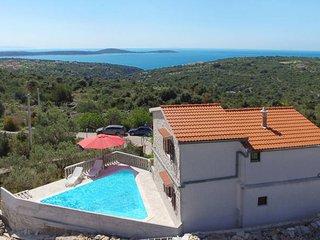 4 bedroom Villa in Vinisce, Splitsko-Dalmatinska Zupanija, Croatia : ref 5437421