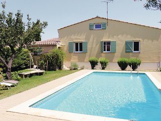 3 bedroom Villa in Mollégès, Provence-Alpes-Côte d'Azur, France : ref 5565706
