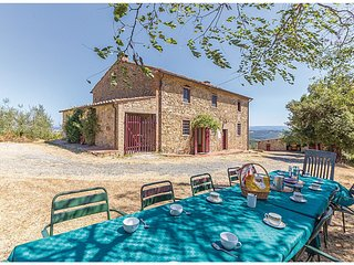 6 bedroom Villa in Luiano, Tuscany, Italy : ref 5566901