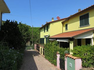 1 bedroom Villa in Cavo, Tuscany, Italy : ref 5437736