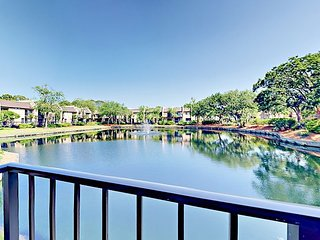 2BR in Gated Community w/ Private Beach Access - Pool, Hot Tub & Tennis!