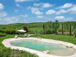 12 bedroom Villa in Torrenieri, Tuscany, Italy : ref 5049056