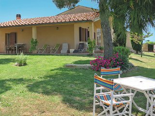 2 bedroom Villa in Bibbona, Tuscany, Italy : ref 5446341
