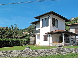 2 bedroom Villa in Domaso, Lombardy, Italy : ref 5436649