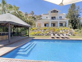 Luxury Villa with heated pool!
