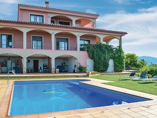 6 bedroom Villa in Montbarbat, Catalonia, Spain : ref 5569986