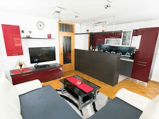 Luxurious RUBY  Apartment in CENTRE KOBARID