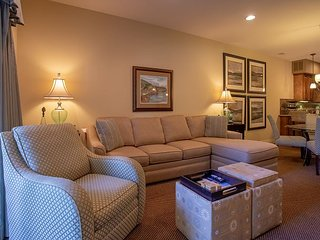 Stayin Classy - Lovely 2 Bedroom 2 Bath Condo at Branson Hills