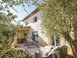 3 bedroom Villa in Saint-Marc, Provence-Alpes-Côte d'Azur, France - 5570115