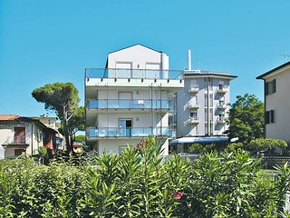 2 bedroom Apartment in Lido di Jesolo, Veneto, Italy : ref 5434468