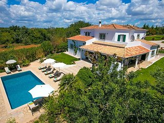5 bedroom Villa in Albufeira, Faro, Portugal : ref 5433414