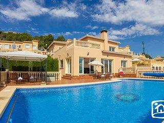 4 bedroom Villa in Calpe, Valencia, Spain : ref 5401448