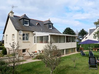 4 bedroom Villa in Saint-Eloy, Brittany, France : ref 5610333