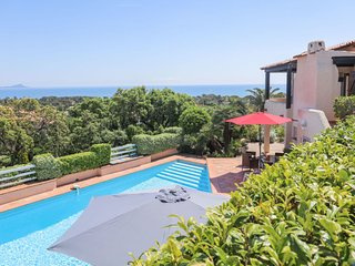 3 bedroom Villa in Saint-Aygulf, Provence-Alpes-Côte d'Azur, France : ref 557903