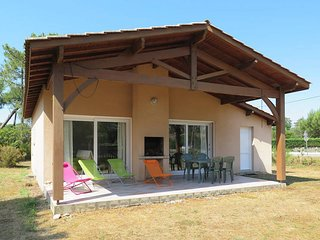 2 bedroom Villa in Vendays-Montalivet, Nouvelle-Aquitaine, France : ref 5434985