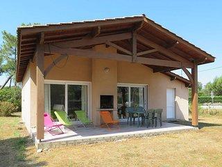 2 bedroom Villa in Vendays-Montalivet, Nouvelle-Aquitaine, France : ref 5434985