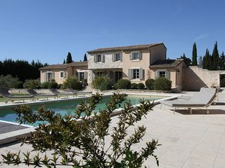 5 bedroom Villa in Raphèle-lès-Arles, France - 5699732