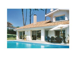4 bedroom Villa in Moliets-et-Maa, Nouvelle-Aquitaine, France : ref 5565412