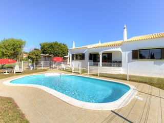 3 bedroom Villa in Malhao, Faro, Portugal : ref 5569253
