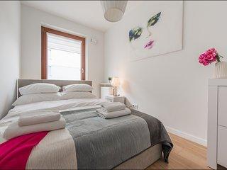 2 BR Apartment Solec 3