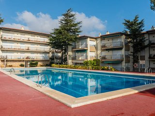 Calella de Palafrugell Apartment Sleeps 4 with Pool - 5246951