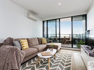2km from the CBD, Luxury Living