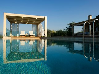 Unassuming Luxury in your own private villa with majestic views