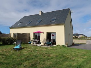 3 bedroom Villa in Plounévez-Lochrist, Brittany, France : ref 5438195