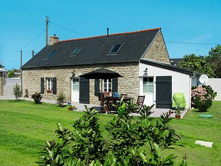 2 bedroom Villa in Trégunc, Brittany, France : ref 5438417