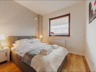 1 BR Apartment Solec 6