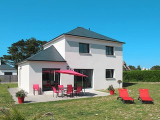 4 bedroom Villa in Cléder, Brittany, France : ref 5438072