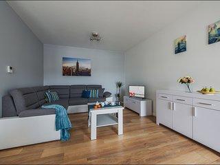 1 BR Apartment Solec 7
