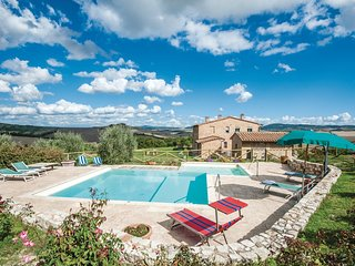3 bedroom Apartment in Asciano, Tuscany, Italy : ref 5566910