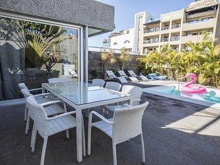Luxury villa near the beach