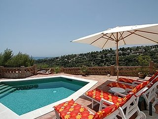 Nerja Villa Sleeps 4 with Pool and Air Con - 5000450