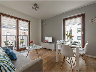 2 BR Apartments Solec 9