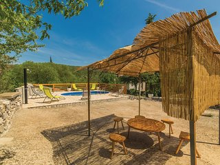 3 bedroom Villa in Lećevica, Splitsko-Dalmatinska Županija, Croatia : ref 554365