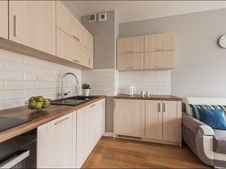 1 BR Apartment Solec 10