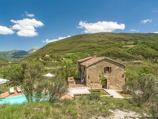 4 bedroom Villa in San Bartolomeo, Umbria, Italy : ref 5217923