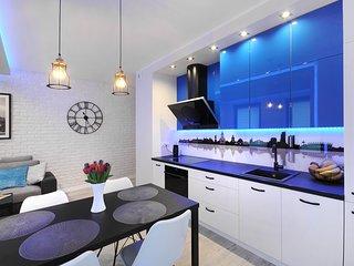 2 BR Apartment Solec 12