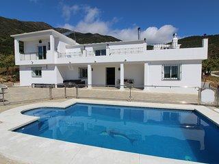 Fabulosa Casa de campo con maravillosas vistas al mar y a la Sierra