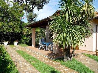2 bedroom Villa in Marina di Pietrasanta, Tuscany, Italy : ref 5447740